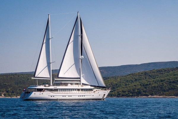 Luxury Yacht Aiaxaia